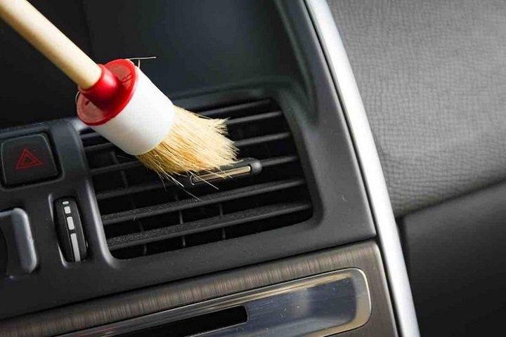 Interior car Dust Off