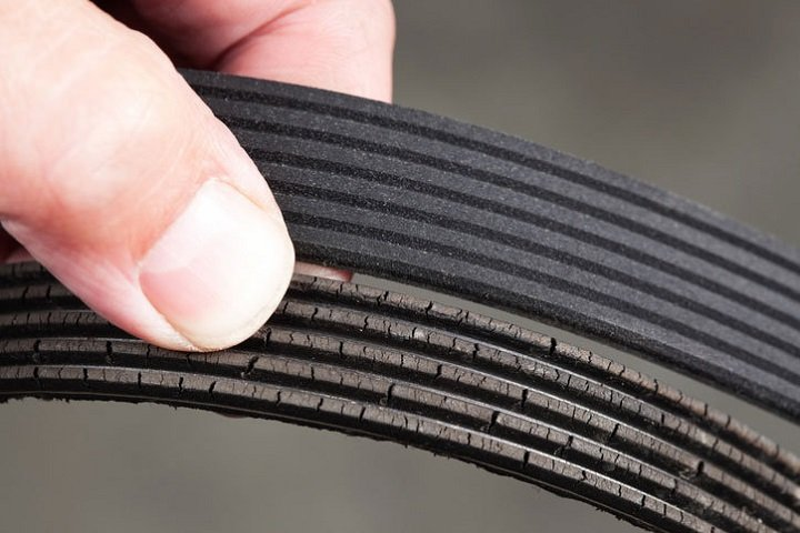 Wear Serpentine Belt