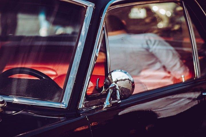 Close car windows