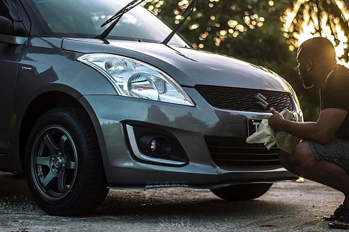 Maintenance and clean car plastic
