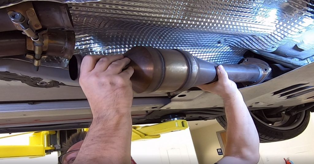 How to install a universal catalytic converter